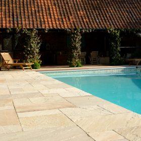 Hampton Cream F40 Weathered Sandstone 3 Size Mix