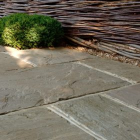 Moorland York F40 Weathered Sandstone 3 Size Mix