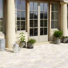 Country Almond Tumbled Limestone Setts