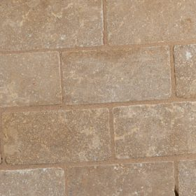 Avery Tumbled and Brushed 30mm Limestone Setts